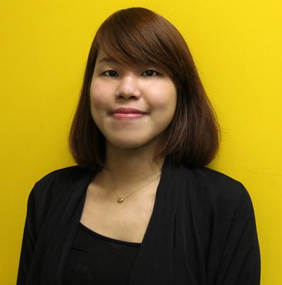 Yahoo! / Lydia Kuo (郭藺瑩)  Yahoo! APAC Sr. Interaction Designer 。 現任Yahoo! 使用者體驗中心的資深設計師。   http://thinkfish.tumblr.com/