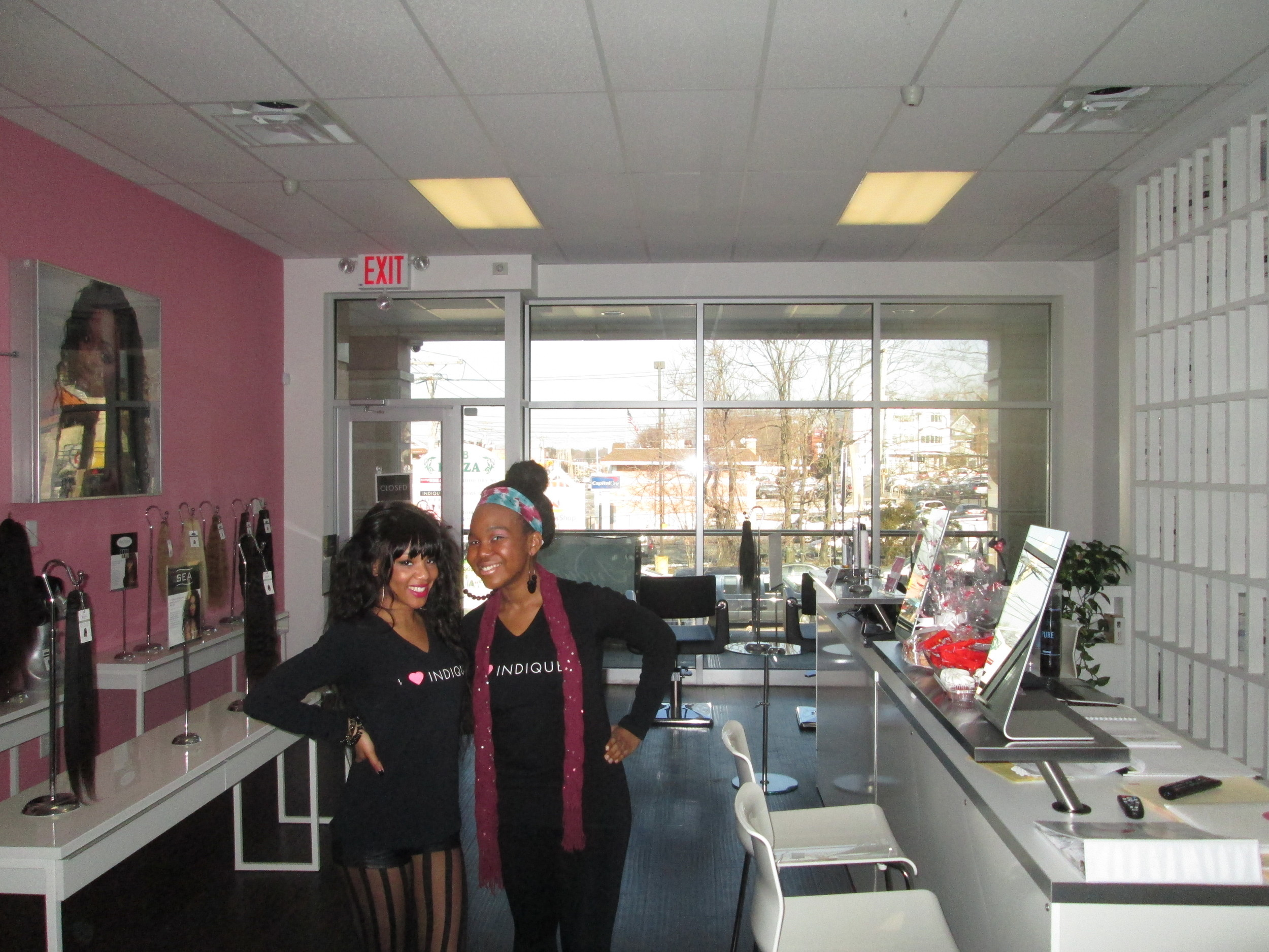 Indique Queens' Patrice & Brittany were geared up in festive Indique Pink & Black!