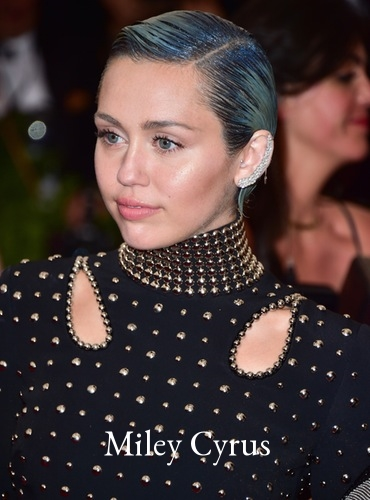 miley-cyrus-blue-hair-met-gala.jpg