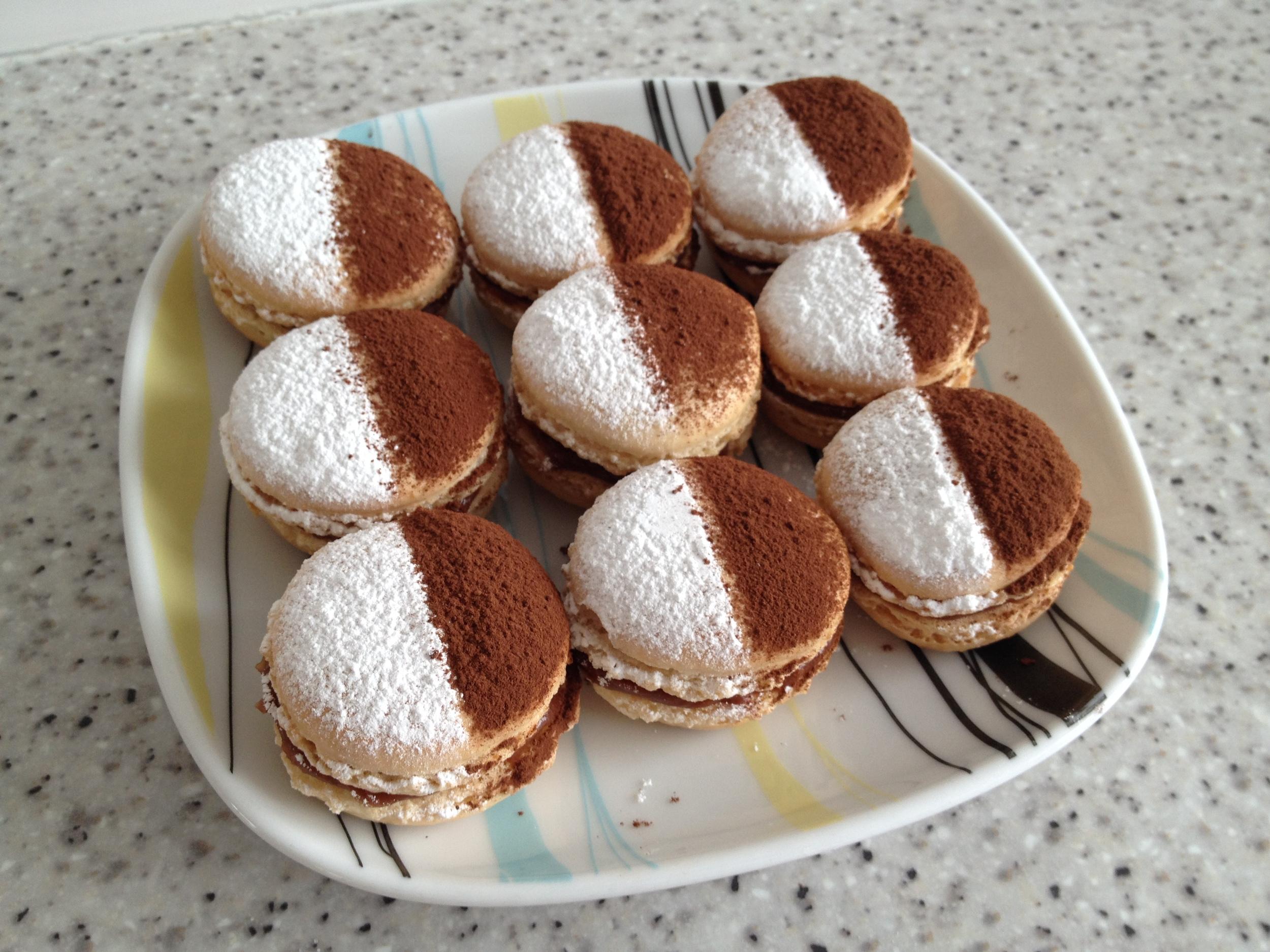 Rum truffle macarons