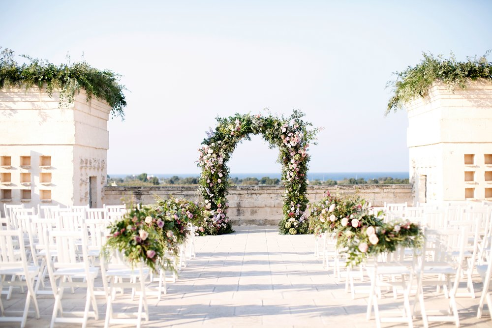 a ceremony in the quattro torre overlooking the sea -