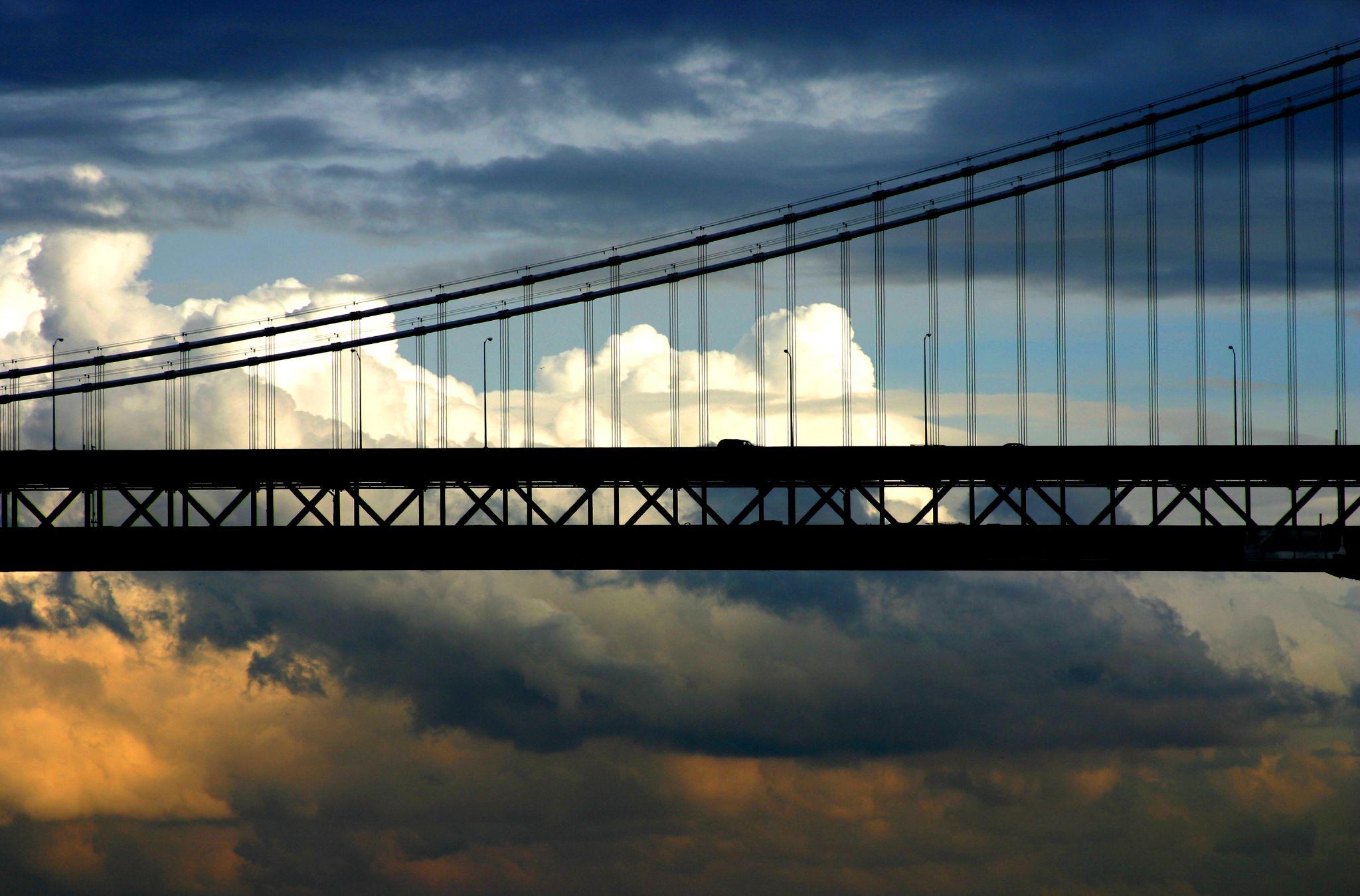 Sun_Comes_Up_Over_the_SF_Bay_Bridge thomas hawk.jpg