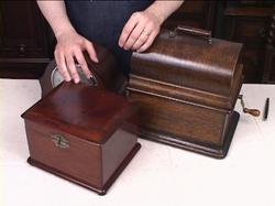 antique-furniture-restoration-courses06.jpg