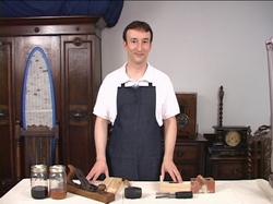 antique-furniture-restoration-courses05.jpg
