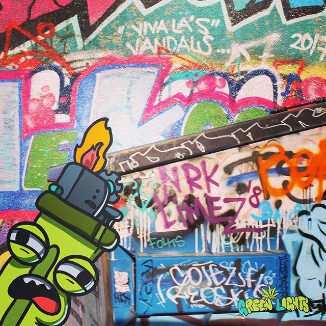 So much #dope #streetart  So many #talented #artist  Lets #paintnothate  #GreenLights #Luckythird #Indie #hiphop #music #lasvegas #nevada #18bartsdistrict #420 #stoner #graffiti #art #peace #ganjagirls #hippie #indica #sativa #stonergirl #dabs #insta