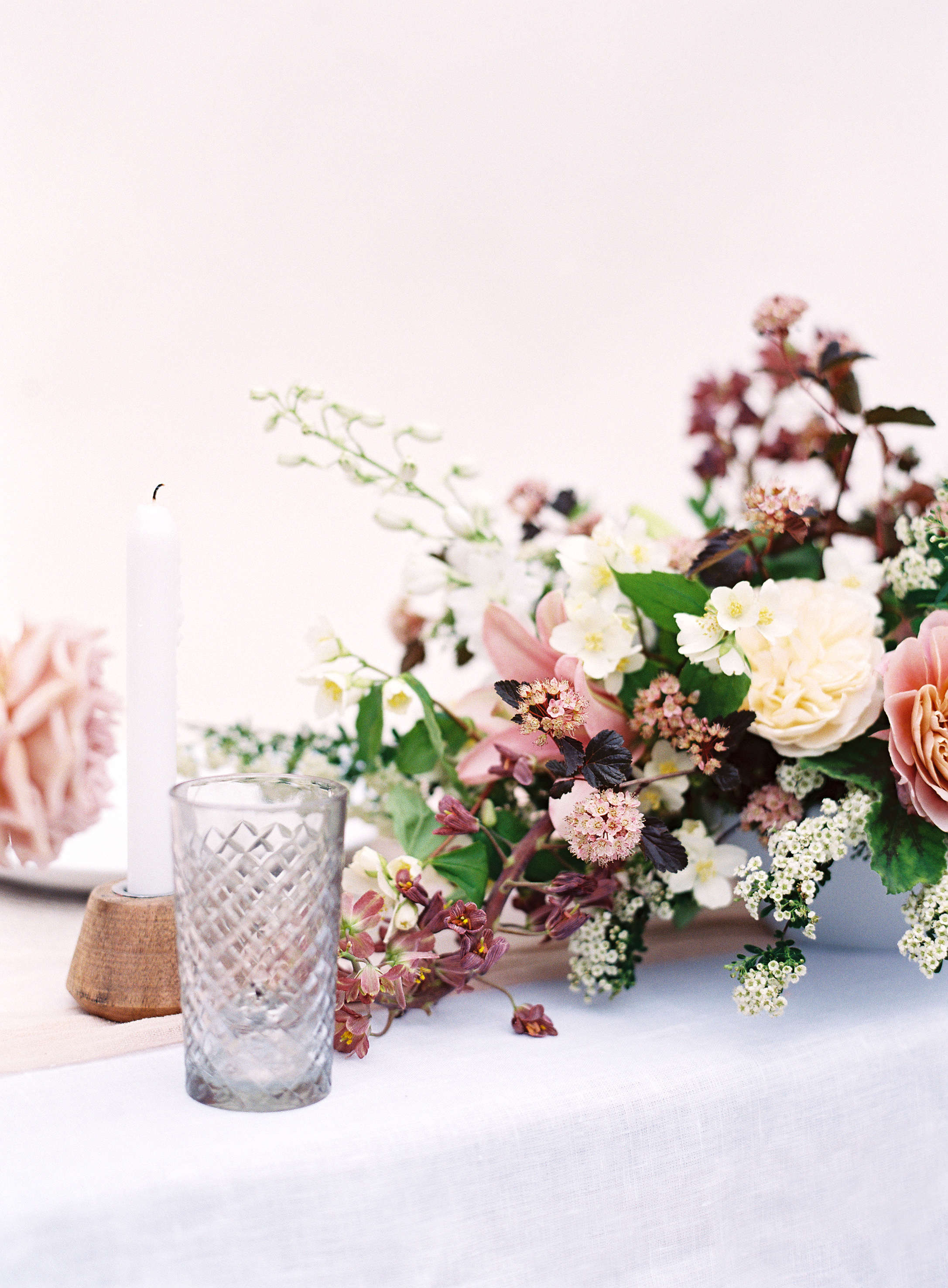 Photo by Christine Doneé Floral by Ellamah Modern Rustic Tablescape_11.jpg
