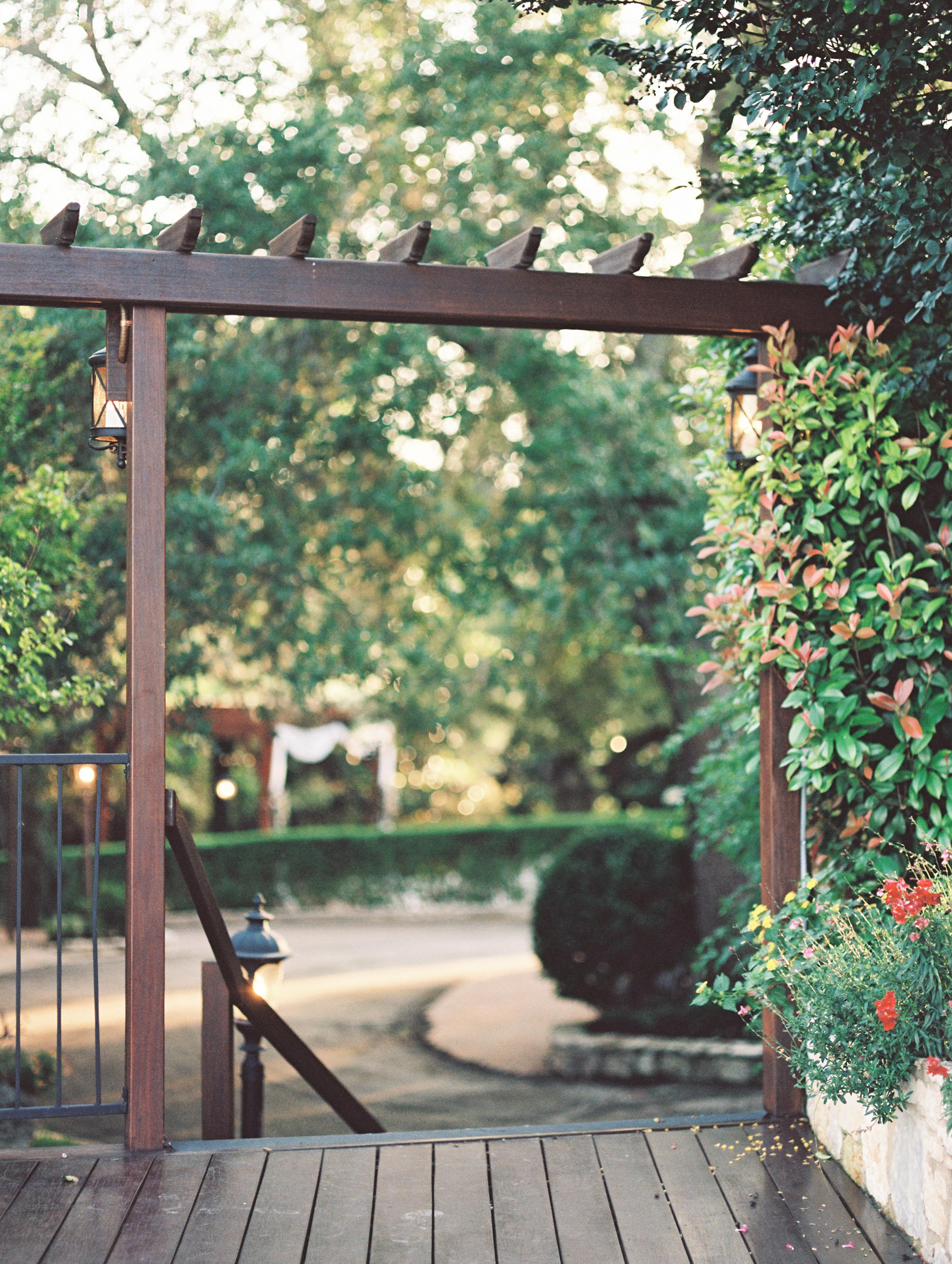 natures-point-lago-vista-wedding-austin-texas-6.jpg