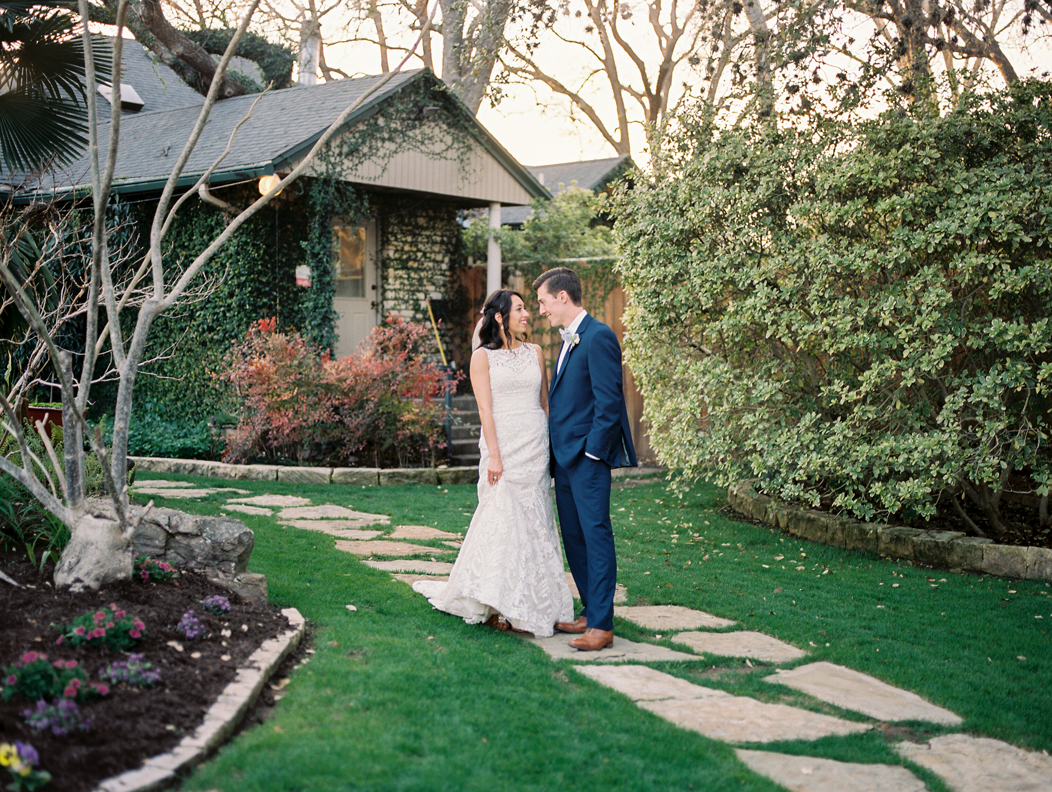 Hummingbird-House-Wedding-M-M-448.png