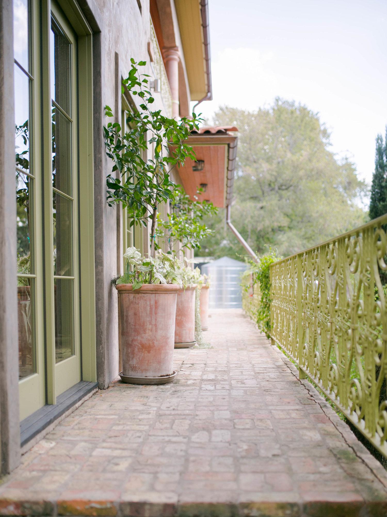Alex-Kyrany-Wedding-Jennifers-Gardens-232.jpg