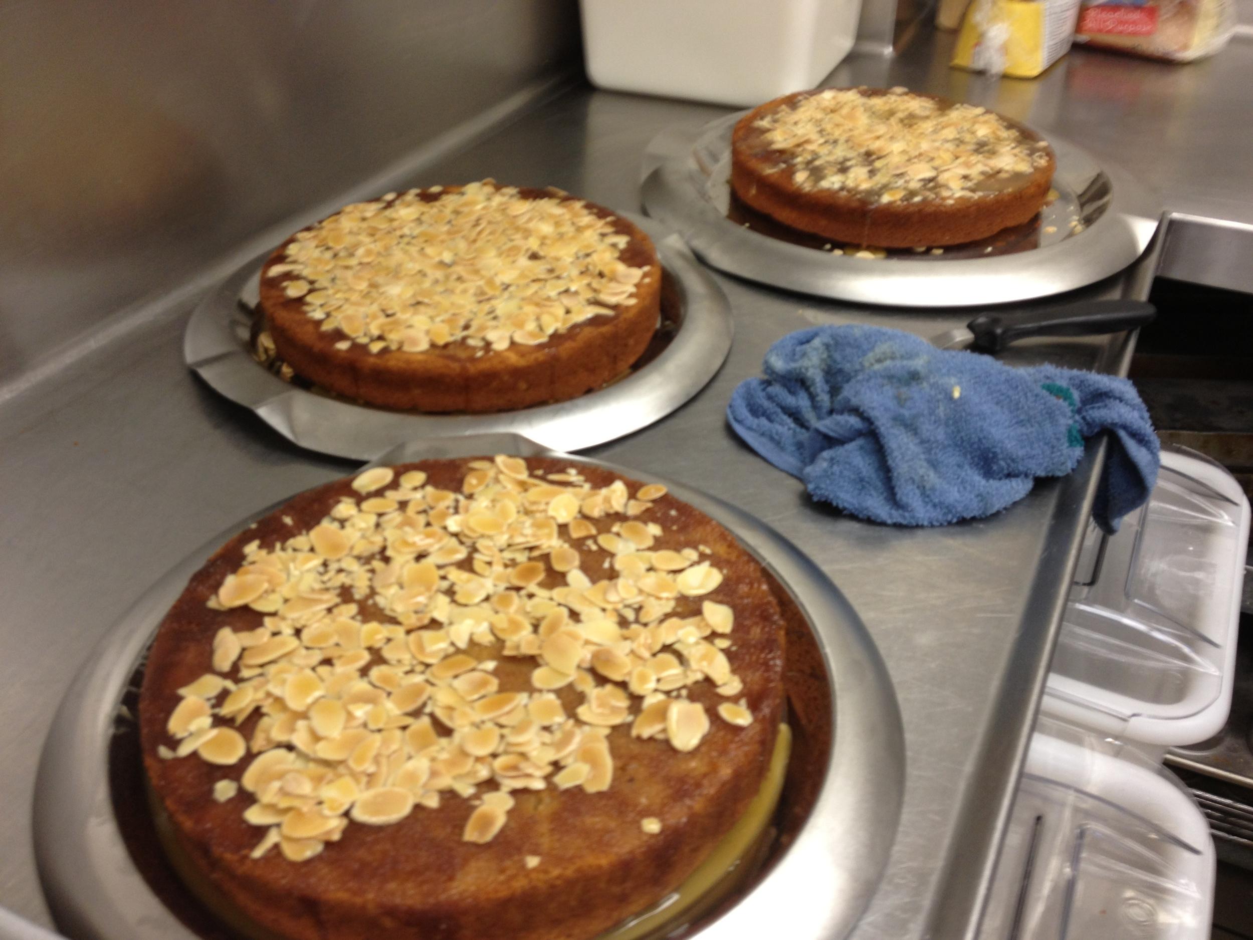 Almond Honey Bee Cakes