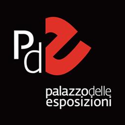Venti anni di presenza nella scena dell'arte contemporanea - Fin dal 1998 Massimo Scognamiglio ha esposto in Gallerie private e spazi pubblici, dal Museo Pecci di Prato al Palazzo delle Esposizioni di Roma.