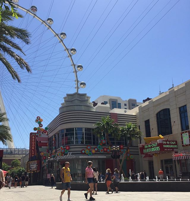 Beautiful Vegas. #lasvegas #lasvegasstrip #linqlasvegas #lvfb #highrollervegas