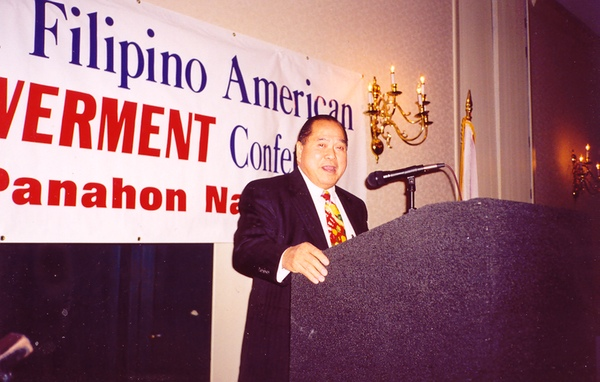 Alex Esclamado speaking at the first National Filipino American Empowerment Conference in 1997  (Courtesy of  Filipinas Magazine )