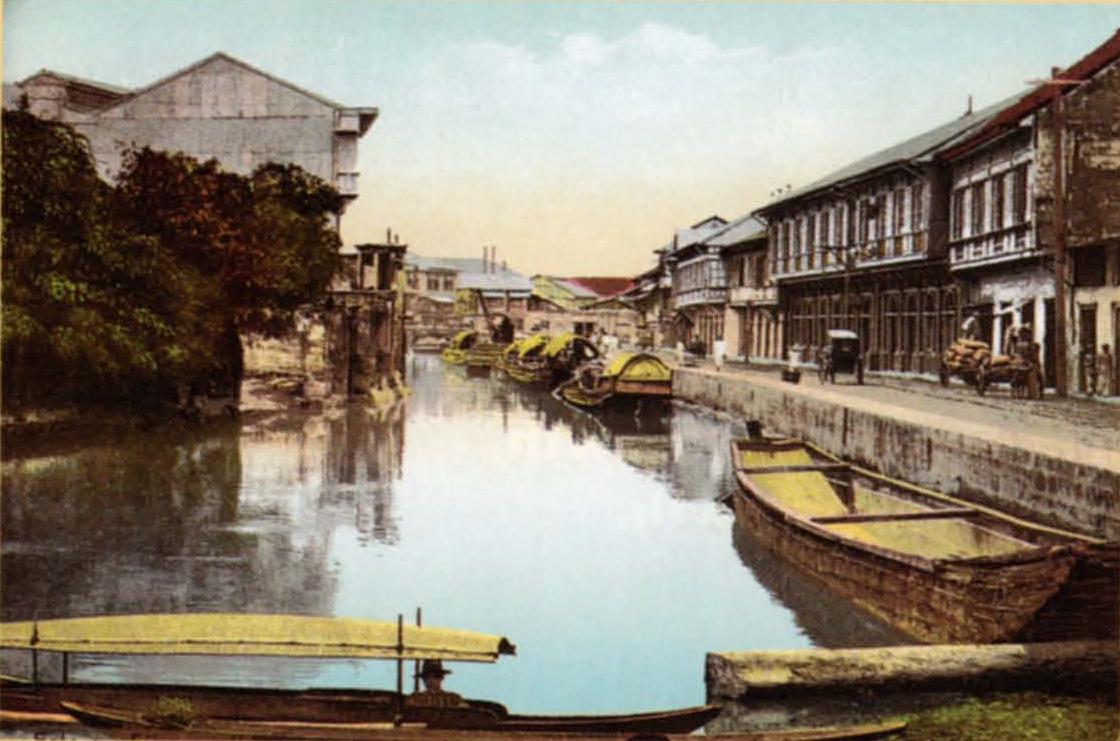 Cascos  or barges on Estero Sibacong, Manila