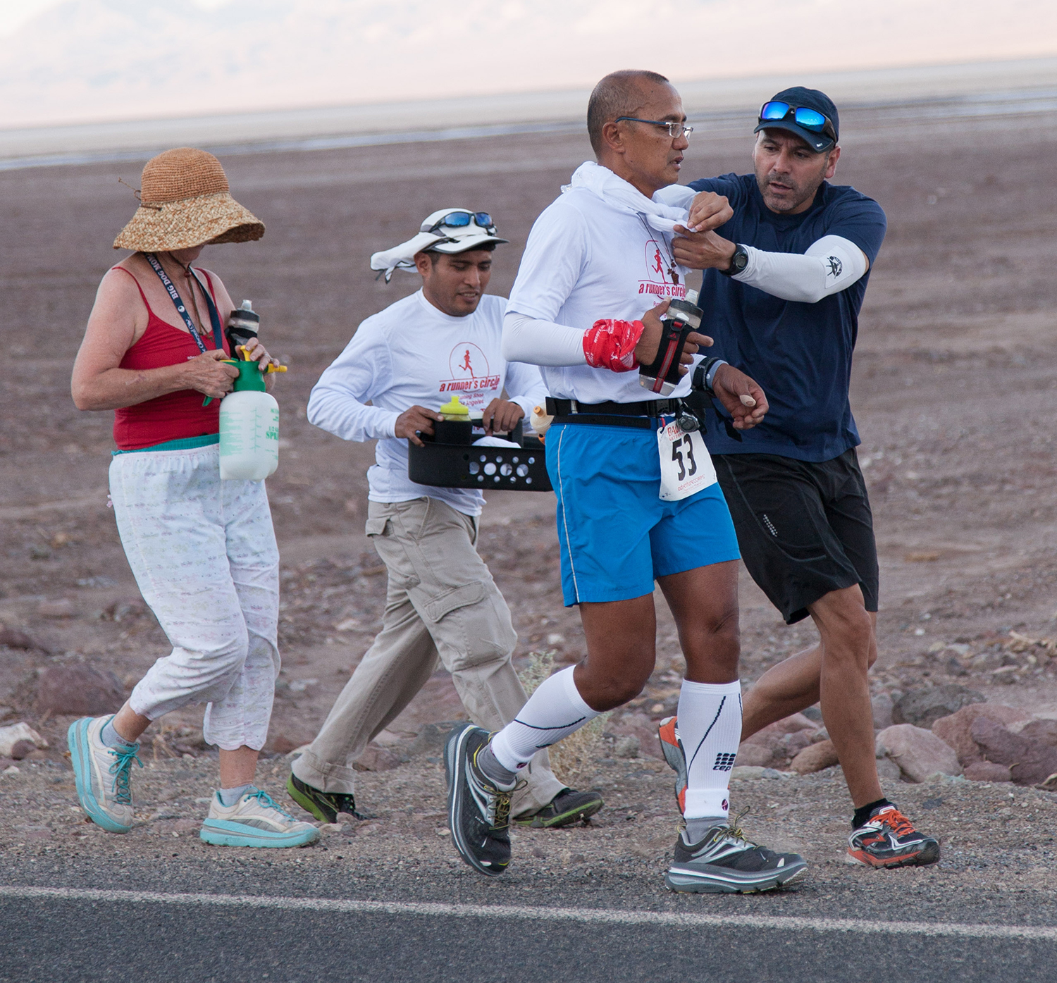Gaetos' support team provides aid during the run.  (Photo courtesy of Ben Gaetos)
