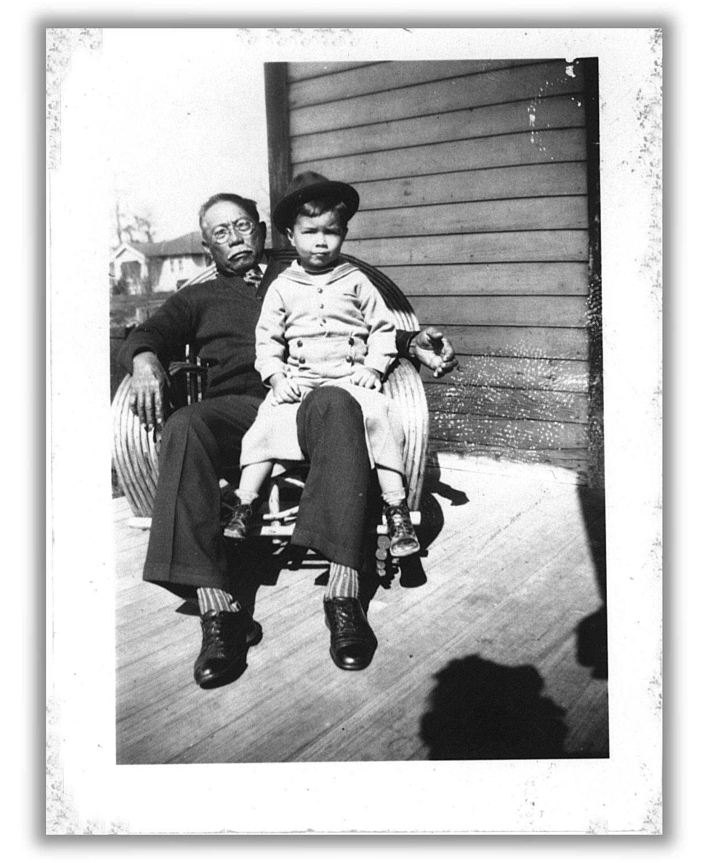 GrandpaHermanFernizfromBohol,withgrandsonCarrollJr.