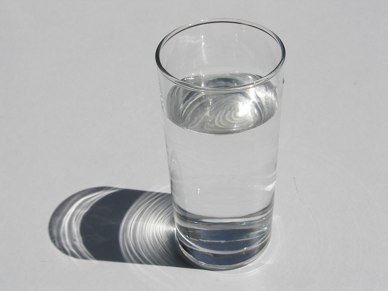 Drinkplentyofwater. (PhotobyJanWillem)