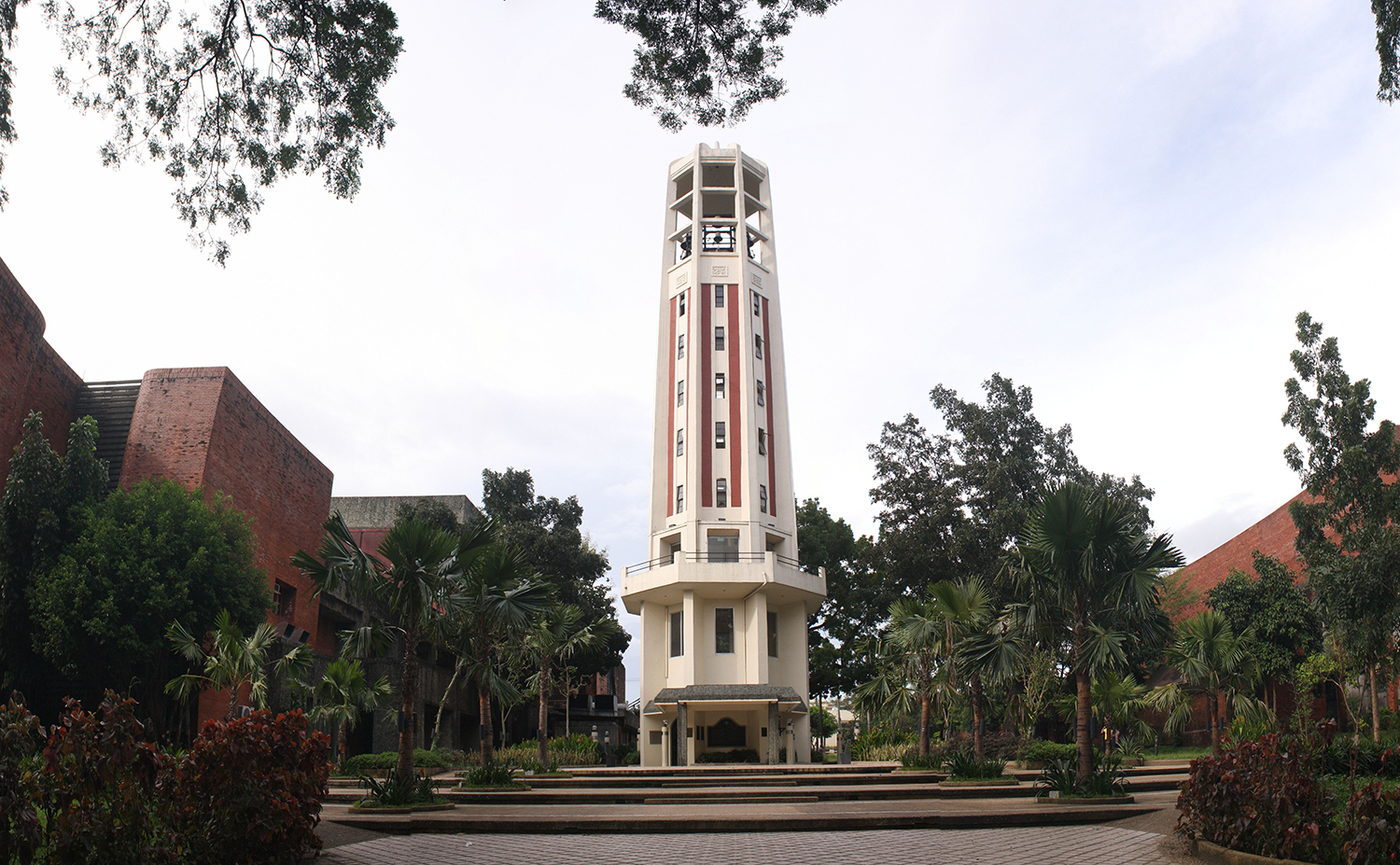 The Carillon at the University of the Philippines (UP). Palomar was able to talk down a suicidal suspect who used to come from the same university as he did. Palomar's references to the music the Carillon made and other stories about UP calmed the suspect down.  (Source: Wikimedia Commons)