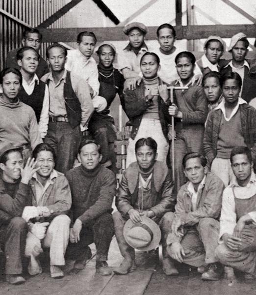 TheAlaskerosfacedblatantdiscriminationandsegregation.Theywerenevergiventheopportunityforbetterjobs. (Source:Filipinos:ForgottenAsianAmericansbyDr.FredCordova,photobySinforOrdoña)