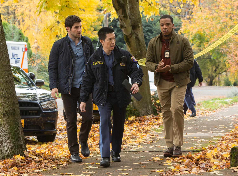 "ReggieLee(center)starsalongsideDavidGiuntoli(left)andRussellHornsbyinNBC'sfantasy/detectiveseries""Grimm"" (PhotobyScottGreen/NBC)"