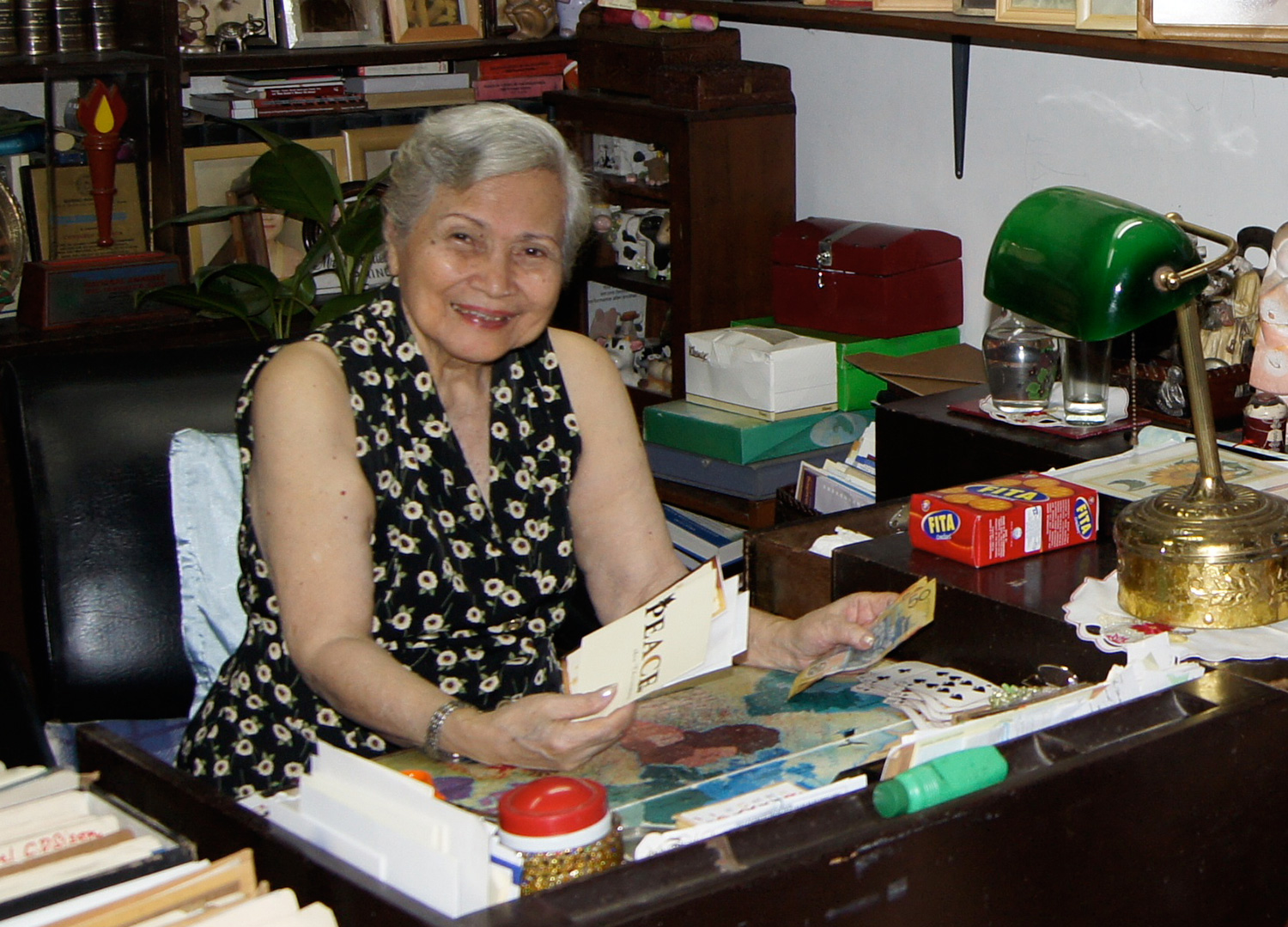 Elong Sison at her office  (Photo courtesy of Marianne Dayrit-Sison)