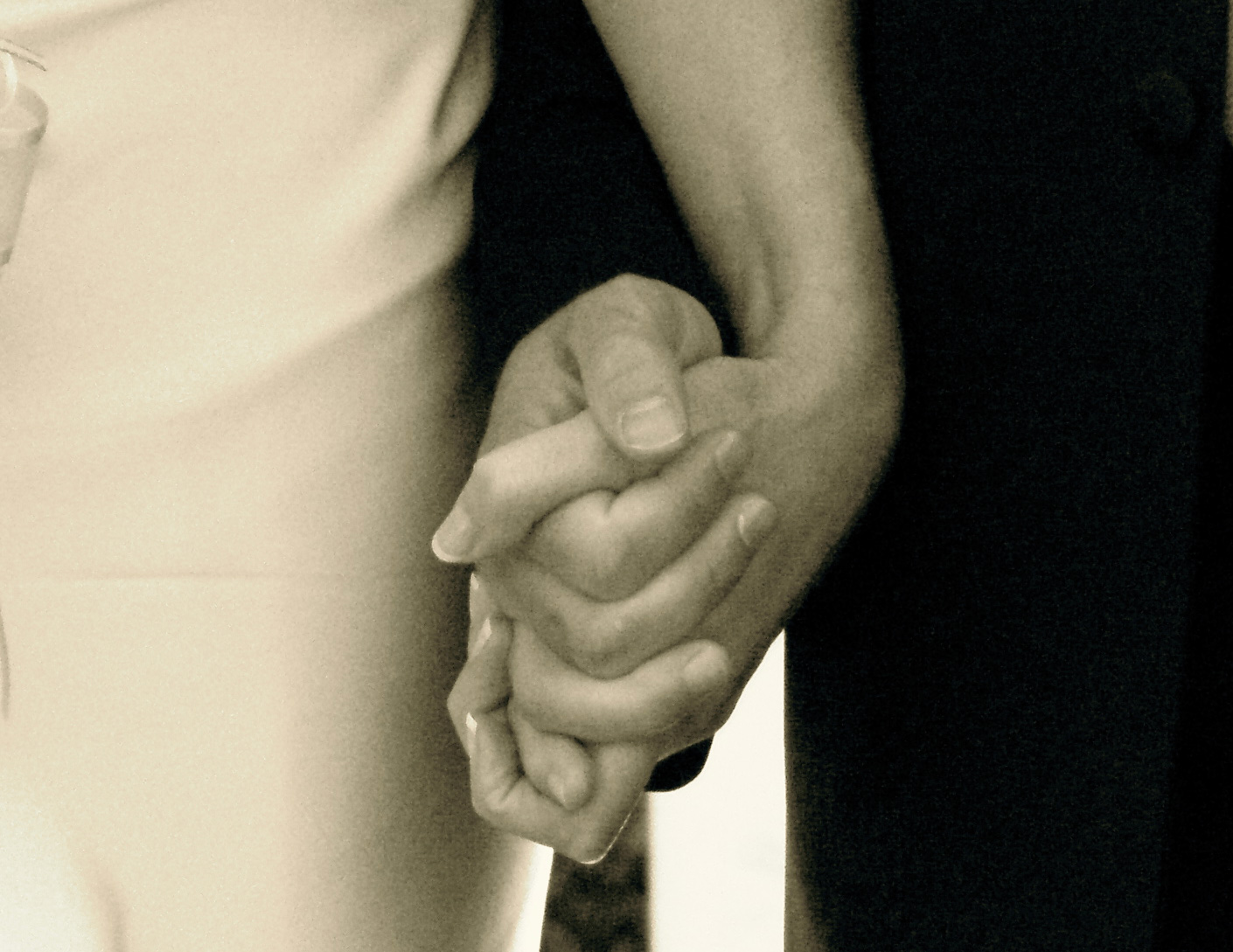 What's your excuse when you are caught holding hands with someone else? (Photo by s349142)