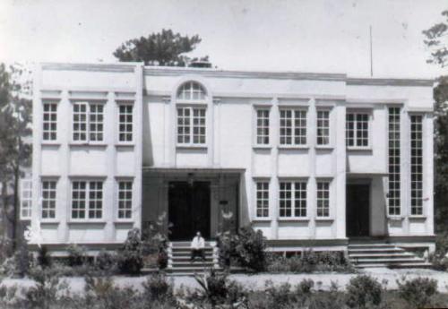 Casa Blanca in Baguio (Source:http://crestaola.wordpress.com/)
