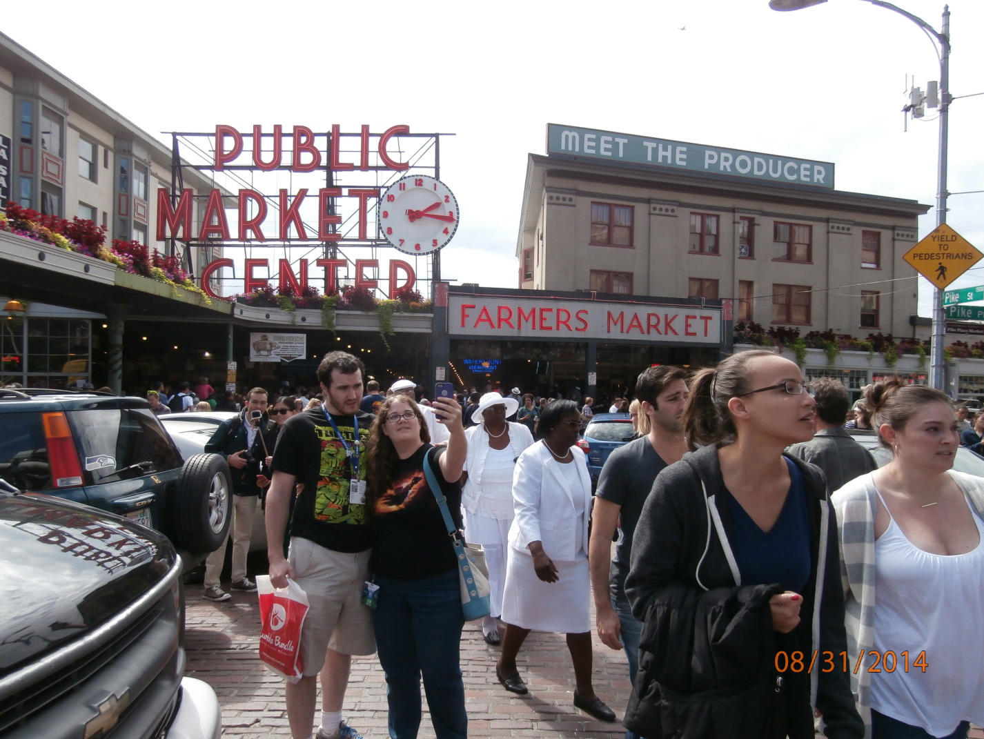Pike Place Market in Seattle (Photo by Elias M. Ferrer)