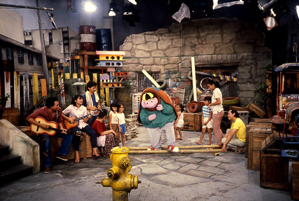 "The children's show ""Sesame,"" the forerunner of ""Batibot"" (Source: muppet.wikia.com)"