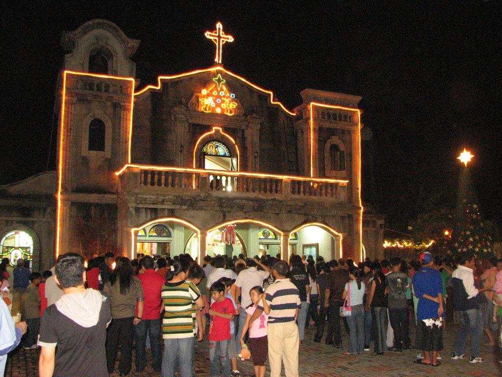 Midnight Mass (Source: panoramio.com)