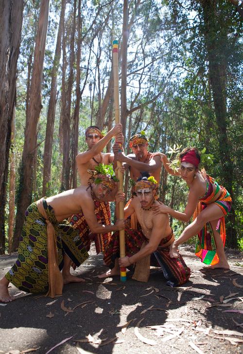 Characters from  Maseg  (clockwise from top left):Sultan Surab (Fernando Padilla), Kapre (Gregory Manalo), Dang Kalipay (Alexandria Diaz De Fato), Kisig (Jonathan Mercado) and Panglima (June Arellano) (Source: masegiscoming.com)