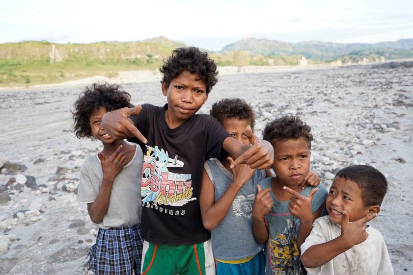 Dumagat children (Photo by Sonny Siasoco)