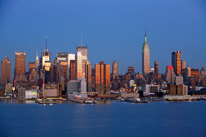 New York sunset (Photo by aturkus)