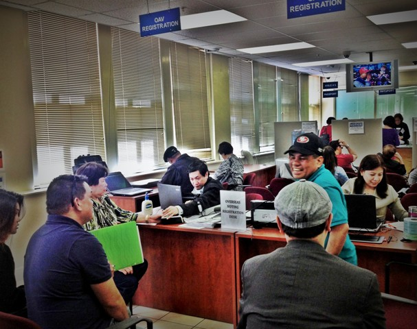 The early days of the voter registration period atthe PhilippineConsulate General in San Francisco in May, 2014