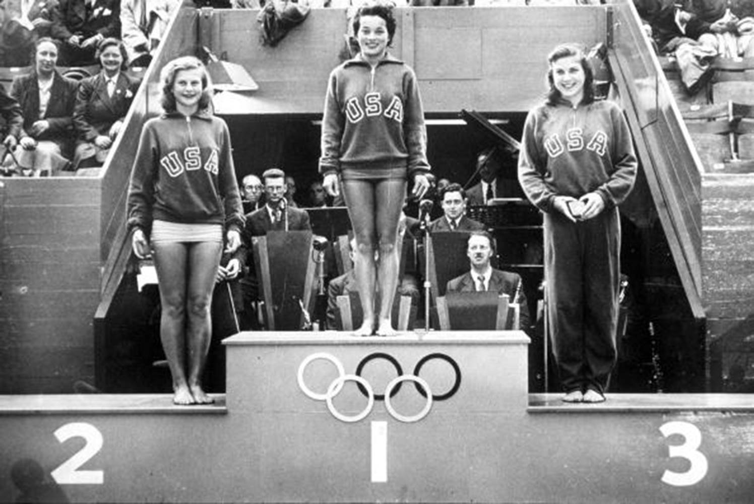 1948 Olympic Games, London, England, Springboard Diving, L-R: Zoe Ann Olsen (silver), Vicki Manalo Draves (gold) and Patsy Elsener (bronze) (Photo by Popperfoto/Getty Images)