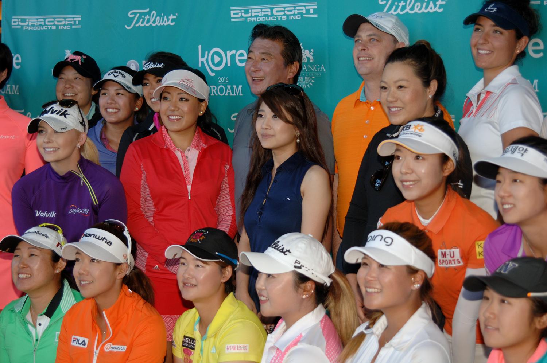 The LPGA golfers with the Pechanga Executive Team (Photo by Nicole Daly)