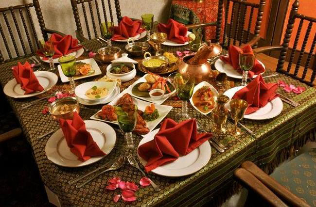The table set-up at Kashmir