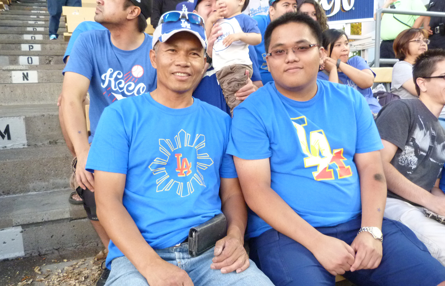 Fans come for the LA Dodgers' Filipino Night t-shirts (Photo by Anthony Maddela)