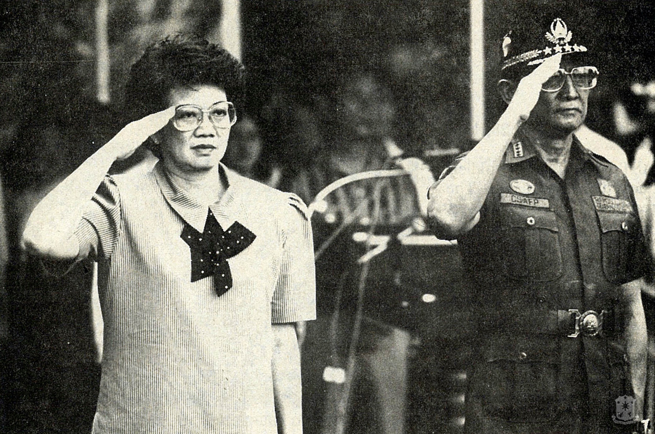 The 1986 EDSA Revolution installed Corazon C. Aquino as its president. Next to her is her chief-of-staff and successor, Fidel V. Ramos (Source: malacañang.gov.ph)