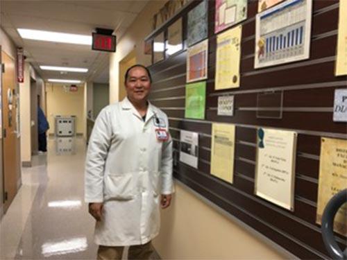 Dr. Glenn Vives at Kaiser Permanente Martinez. (Photo by Jeanette Vives)