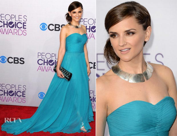 Actress Rachel Leigh Cook in a perfectly simple but classic aqua OT gownat the 2013 People's Choice Award Show.