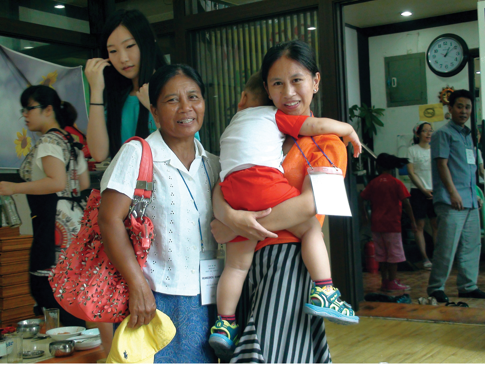 Remedios Ramel with daughter, Nelgilyn (Photo by Rochit Tañedo)