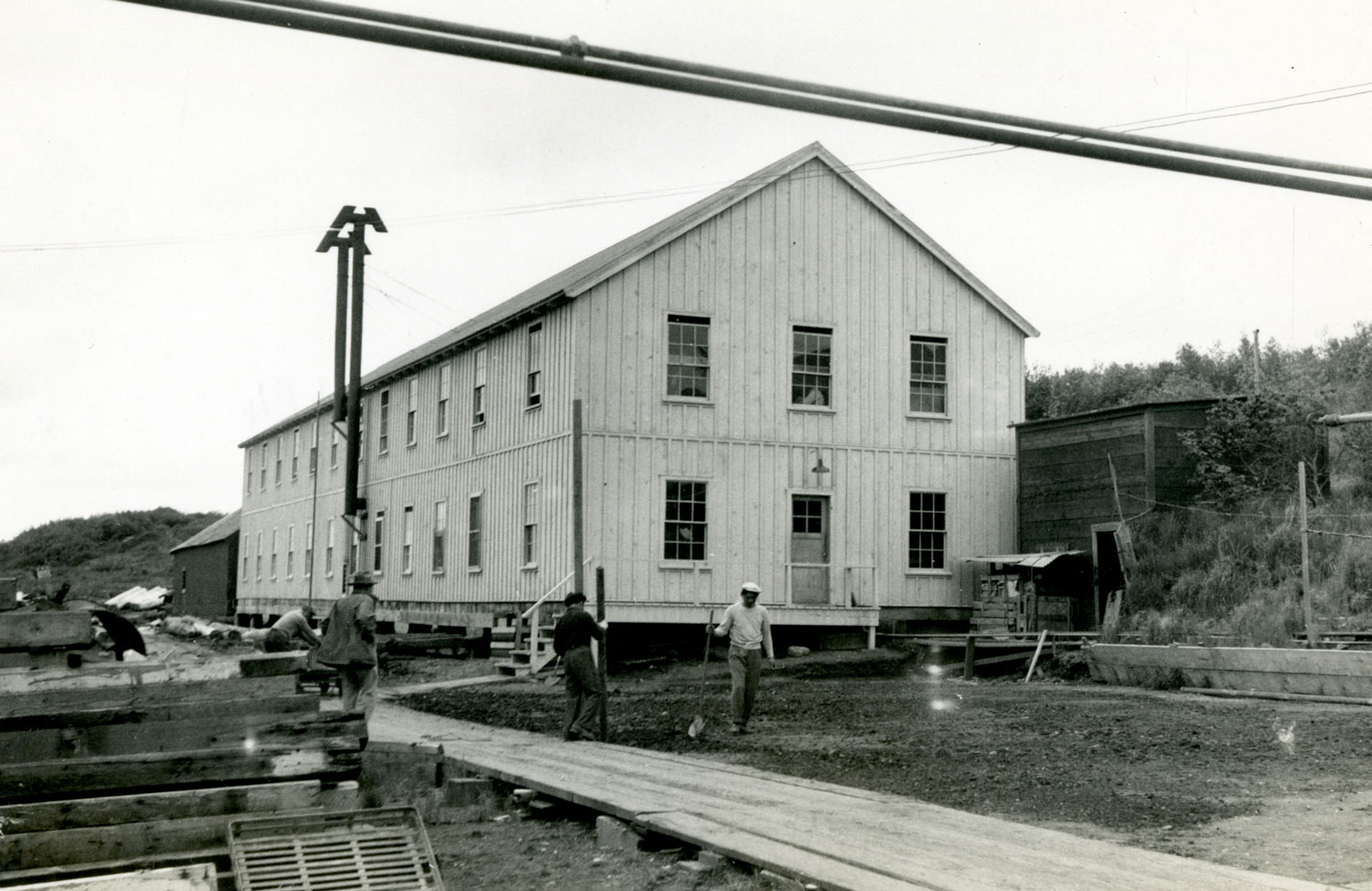 The Cannery Workers Bunkhouse when it was newly constructed. (Photo courtesy of the Center for Pacific Northwest Studies, Western Libraries Heritage Resources of Western Washington University)