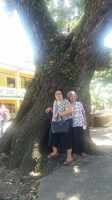 Amabel Bangalan Duque and Rose Cortez Alvarez have wonderful memories of the  bittaog.  (Photo by Maynard U. Campañano)