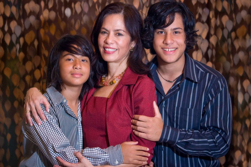 Gina Lopez and sons, Benjamin and Roberto (Source: ABS-CBN, photo by Philip Sison)