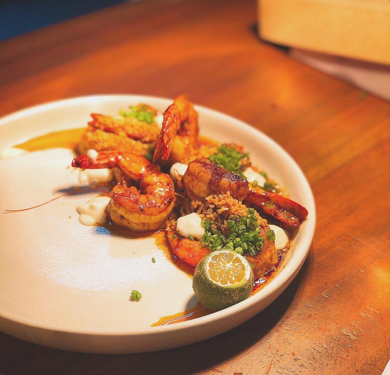 Mijo's Aligue Gambas (prawns, crab fat, crispy garlic, aioli, and calamansi)
