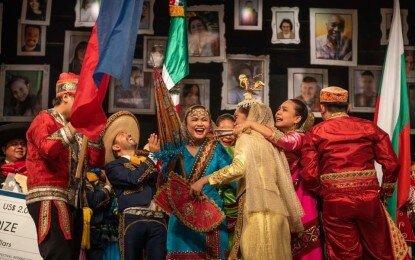 Bayanihan (Photo courtesy of Fabiene Marchesini/Festival Internacional de Folklore de Nova Prata)