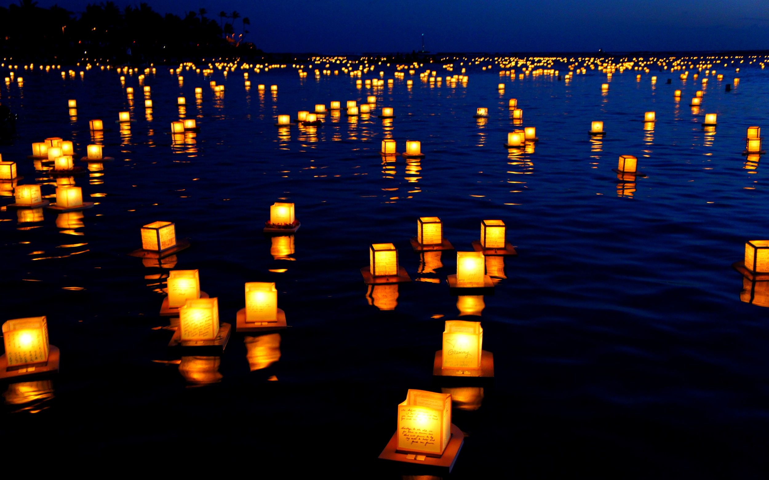 floating-lanterns_51601.jpg