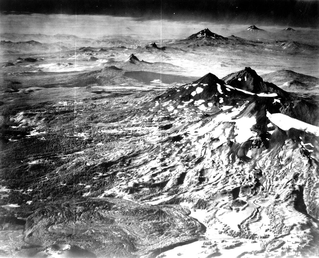 OSU Special Collections & Archives |https://commons.wikimedia.org/wiki/File:Cascade_Mountain_Peaks_(3387044159).jpg?uselang=en-gb
