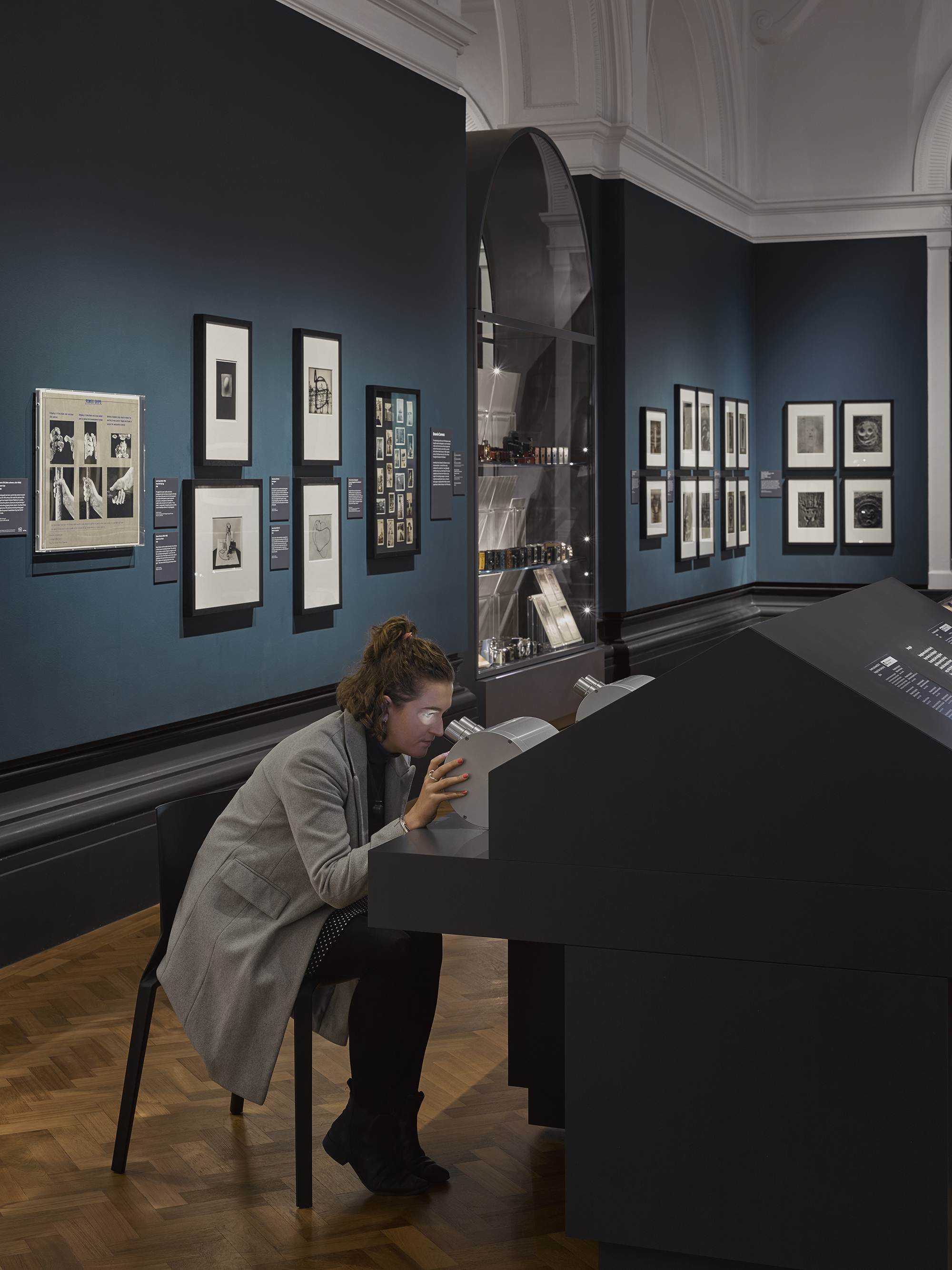 V&A Photography Centre – interactive stereograph displays, The Bern and Ronny Schwartz Gallery © Will Pryce
